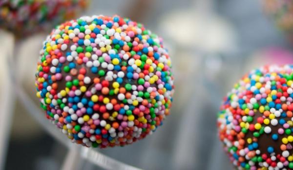 Новогодишни кейк попс – сладкиши на клечка