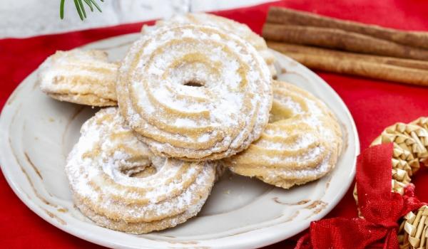 Шприцовани бисквити