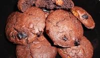 Какаови бисквити с кокос и стафиди