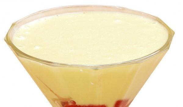 Плодов коктейл с лимонов крем