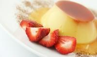 Крем карамел с ягоди и канела