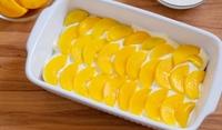Леден сладкиш с плодове и бял шоколад