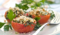 Печени домати с пармезан и стафиди
