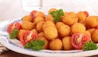 Панирани картофени топчета