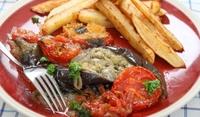 Пържени патладжани с доматен сос
