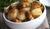 Картофи на фурна с кренвирши
