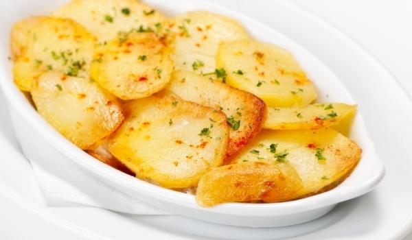 Картофи с мащерка и риган