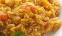 Ориз с къри, моркови и чесън