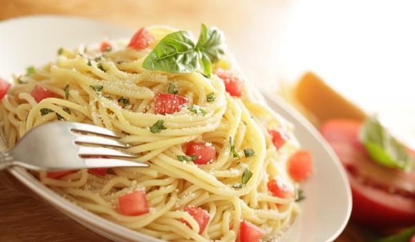 Сочни спагети със зеленчуци