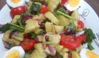 Картофена салата със спанак и домати