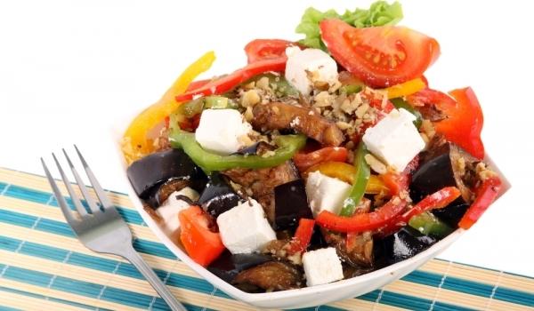 Шарена гръцка салата