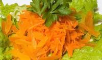 Салата с моркови и бобени кълнове