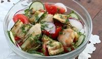 Лятна салата с пиле и тиквички