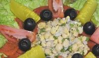 Рибна салата с нахут