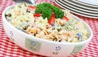 Макаронена салата със сметанов сос