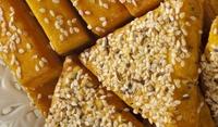 Хрупкави кашкавалени бисквити