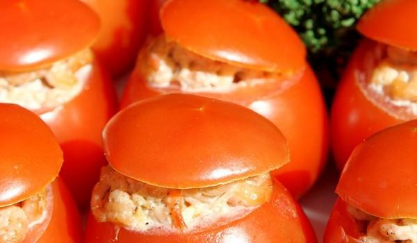 Пълнени домати с шунка, гъби и майонеза