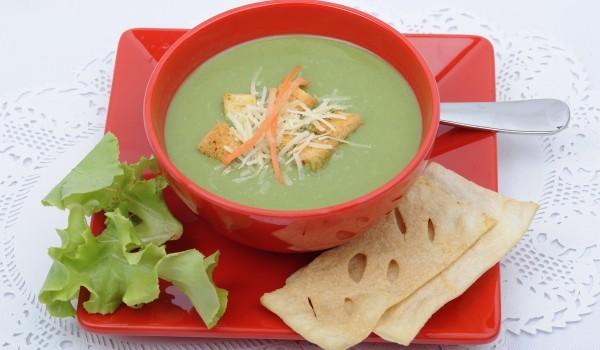 Зелена кремсупа с броколи