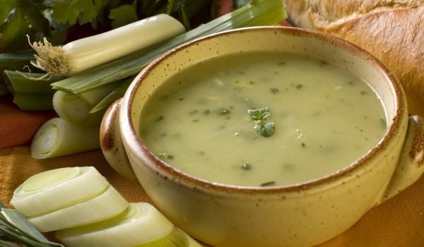 Диетична лучена супа