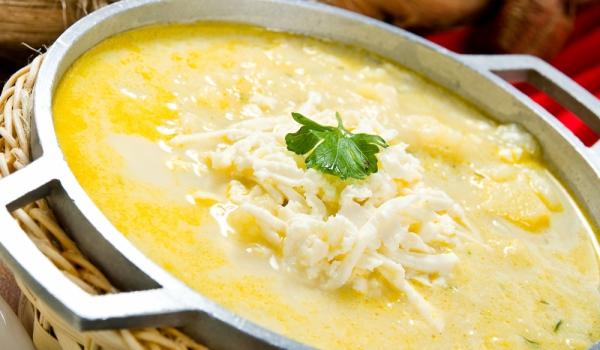 Селска кашкавалена супа