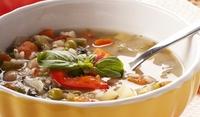 Италианска зеленчукова супа с босилек