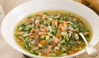 Градинарска супа със спагети