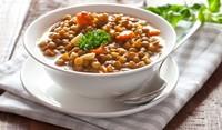 Супа с леща и домати
