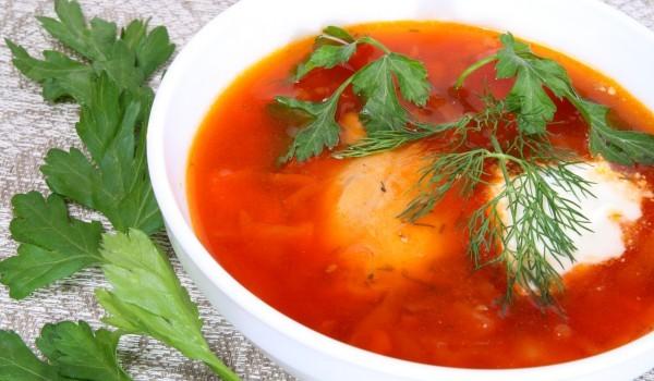 Доматена супа с див ориз и сметана