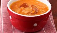 Супа с прясно зеле и наденица