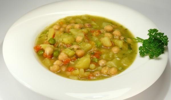 Зеленчукова супа с нахут