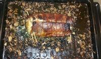 Свински ребра с гъби, топено сирене и наденица
