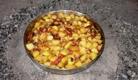 Картофи с колбас и яйца на фурна