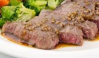 Телешко месо с фин чеснов сос