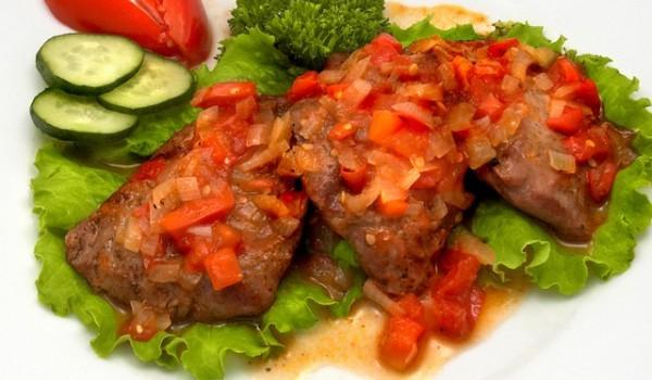 Телешко с червени домати