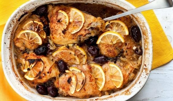 Пилешко с лимони и маслини