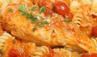 Фузили с пилешки гърди на фурна