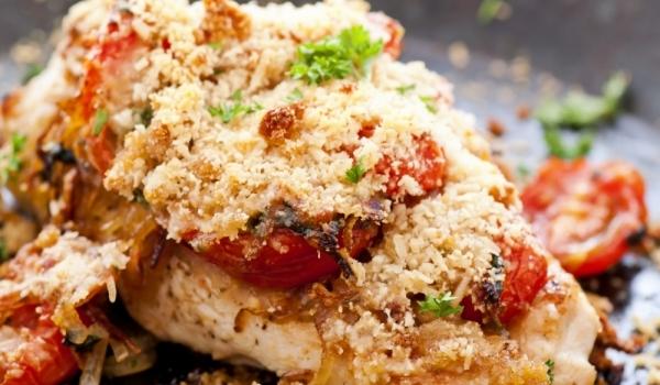 Пилешки гърди с домати и пармезан