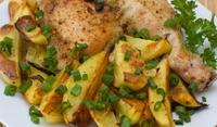 Чеснови пилешки бутчета с картофи