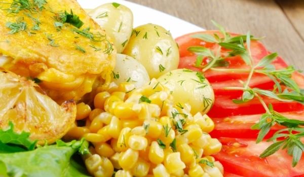 Пиле с майонеза и царевица