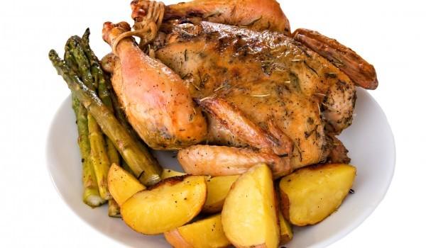 Пиле със сметана и аспержи