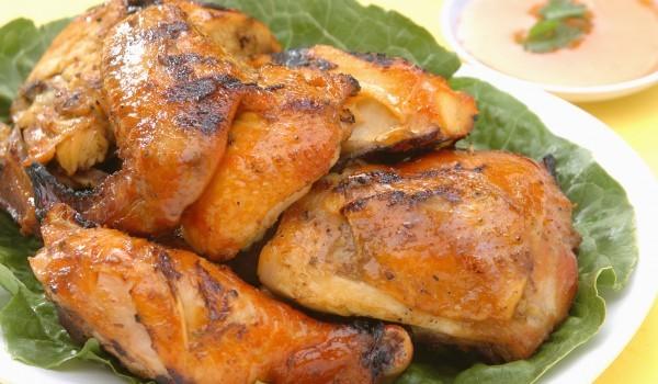 Пилешки бутчета, задушени във фолио