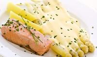 Бяла риба печена с аспержи