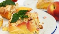 Италиански сметанов сладкиш с нектарини