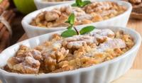 Кекс с ябълки и канелен щройсел