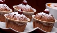 Шоколадови кексчета с череши