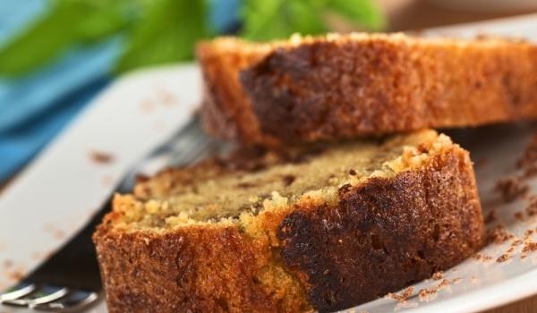 Обикновен кейк със сладко