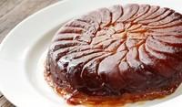 Обърнат плодов кейк