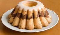 Мраморен кекс с бити белтъци
