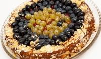 Френска торта с грозде и шампанско