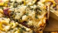 Пица с луканка и сметана